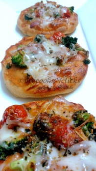 Baked mini pizza