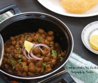 Chole - Chickpeas in onion and tomato gravy